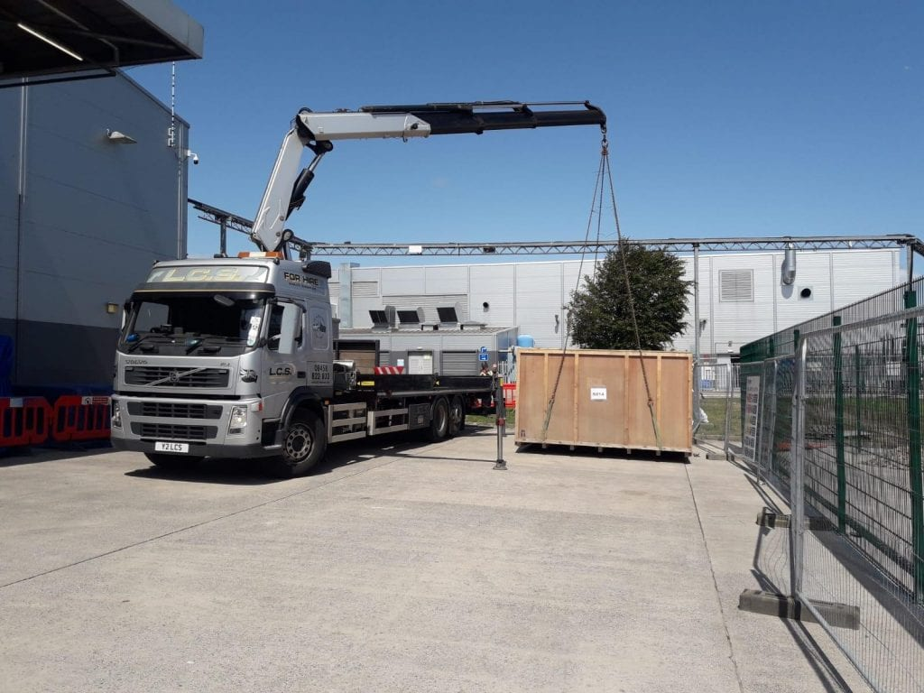 LCS Crane lorry offloading container