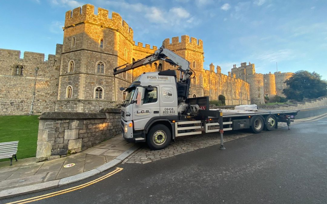 Hiab installation of new entrance sign at her majesty's Windsor Castle